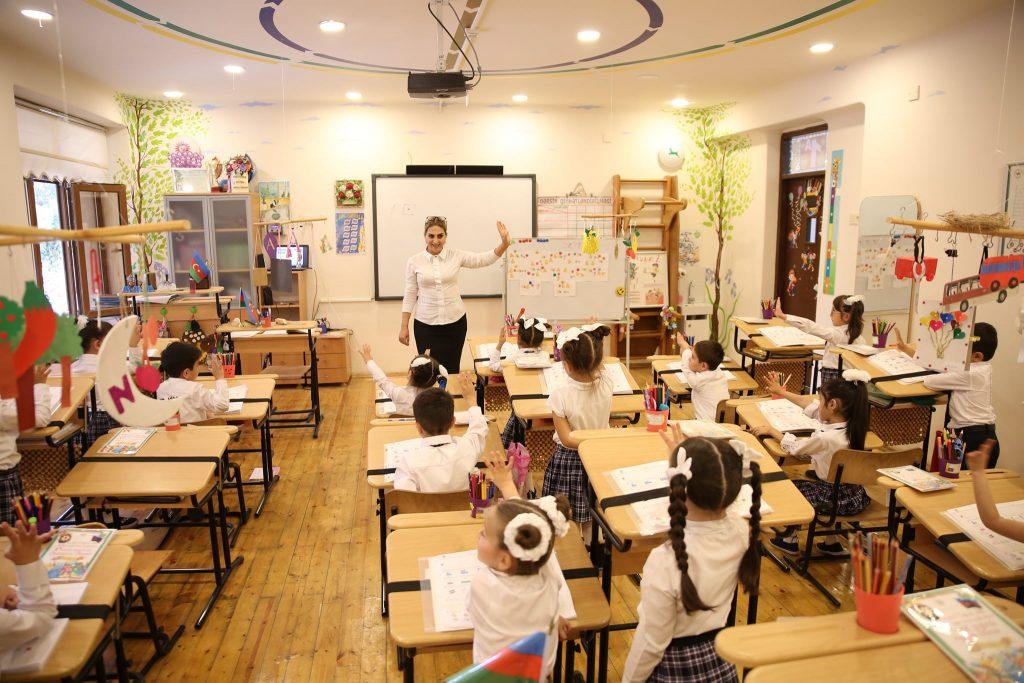 Пример использования здоровьесберегающих технологий Базарного: общий вид кабинета. В одной из школ г. Баку, Азербайджан.